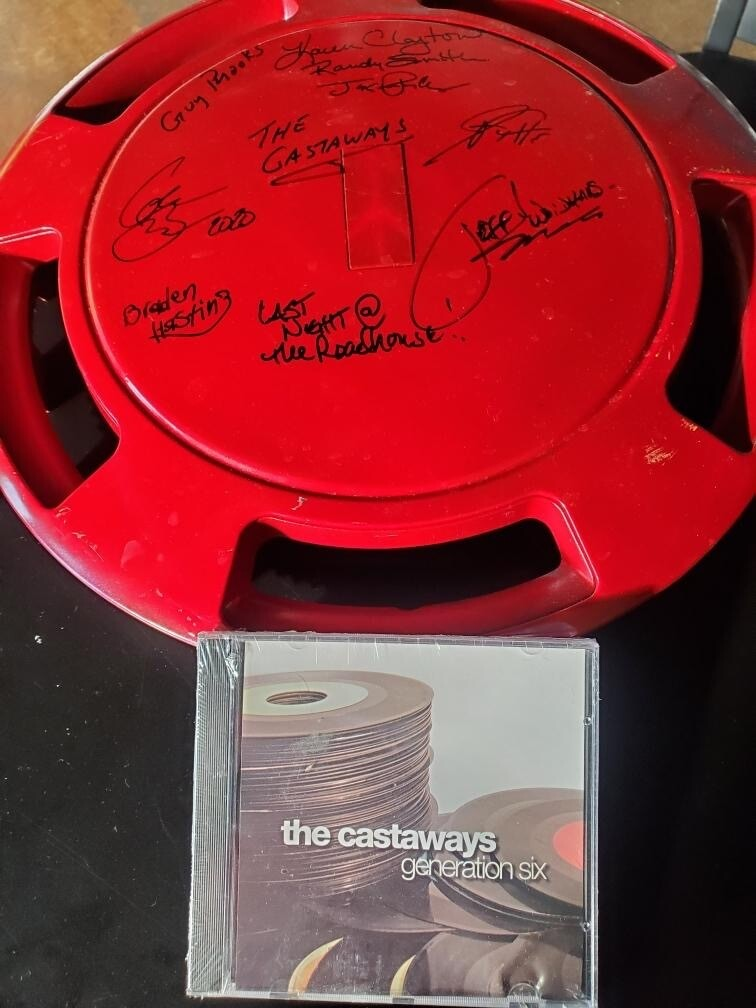 The Castaways signed Hubcap