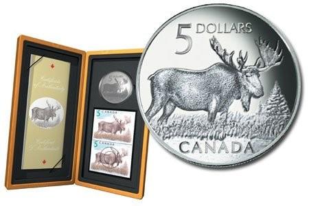 Канада. Елизавета II. 2004. 5 долларов. Лось. Набор монета + марка. 0.9999 Серебро 1.0 Oz., ASW., 31.1 g., KM#514. PROOF. Mintage: 12,882