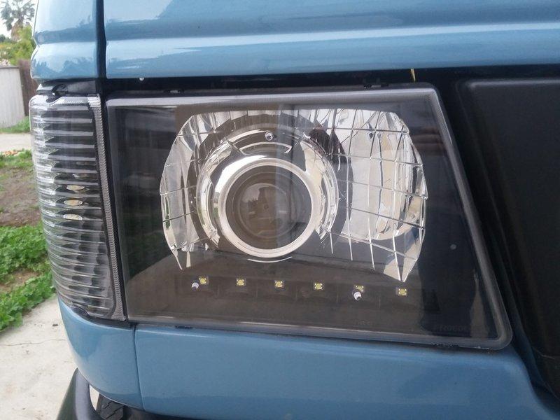 Ford Econoline Advanced HID Projector Retrofit Headlight Kit