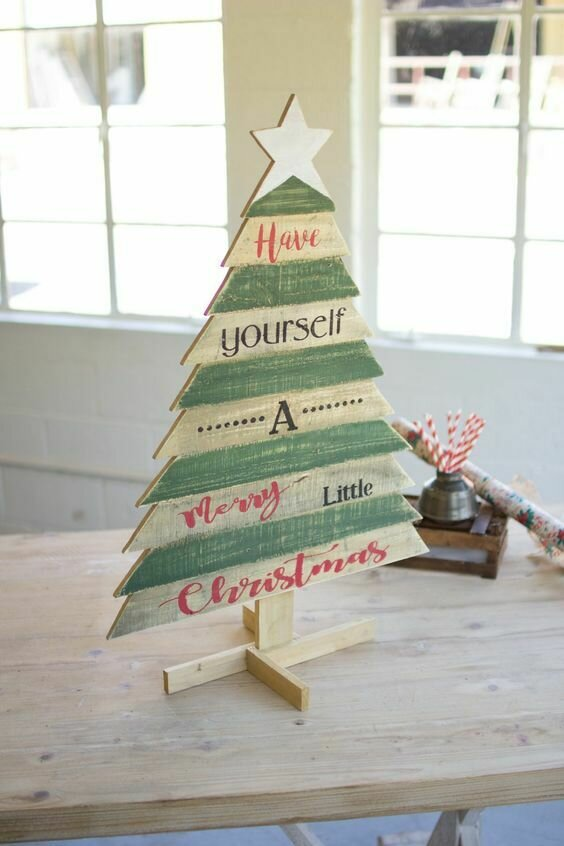 Wooden Christmas Tree w/Saying
