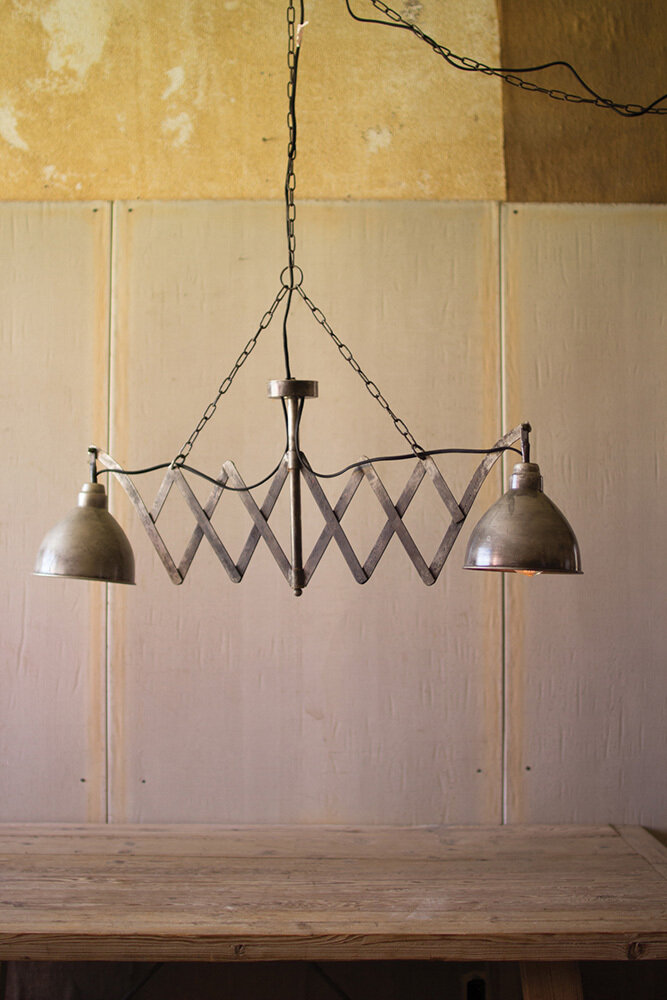 Distressed Twin Lamp w/Canopy & Black Fab Cord