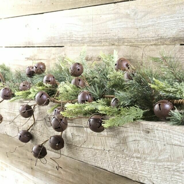 Rusted 5' Bell Garland