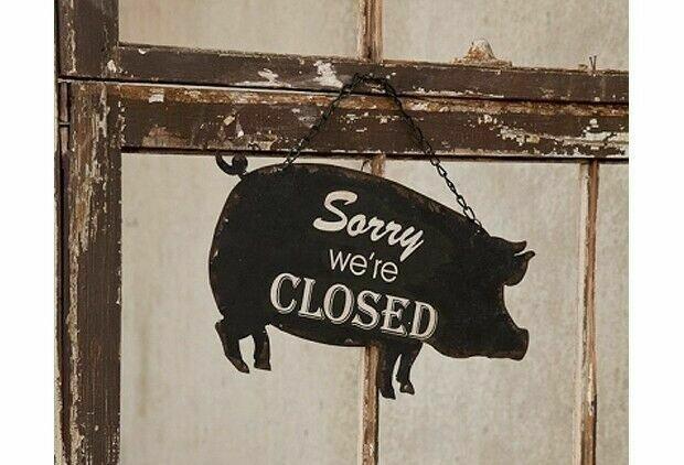 Black Metal Pig Open/Close Sign