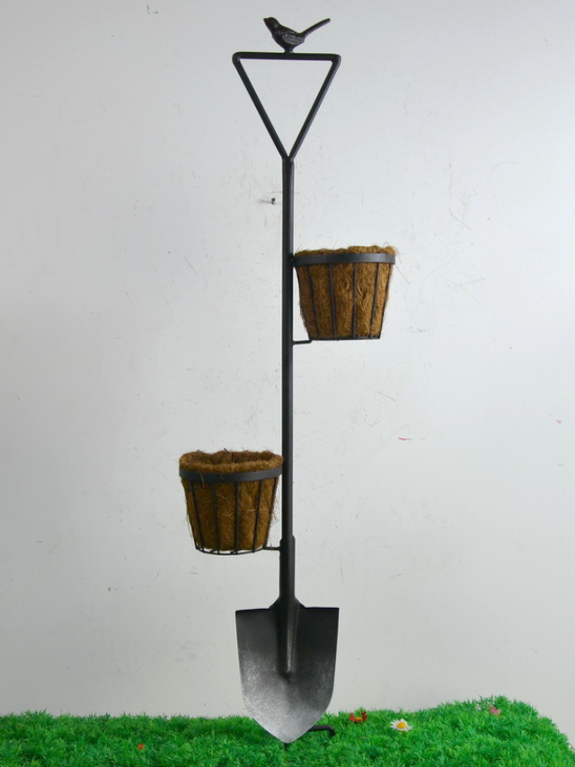 Shovel Planter (DISPLAY ONLY)