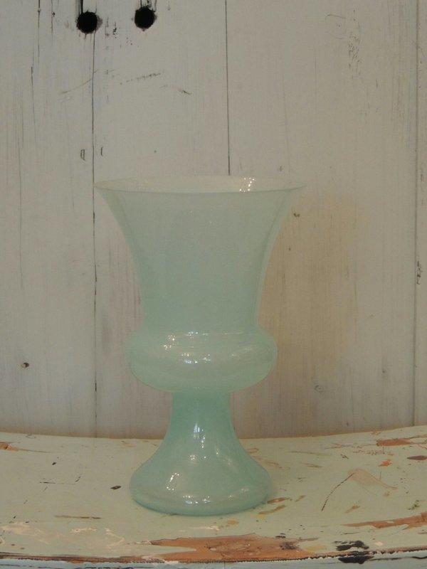Opaline glas bekervaasje
