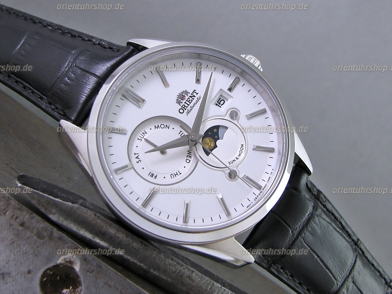 Orient Sun&Moon Automatik Armbanduhr RA-AK0305S10B