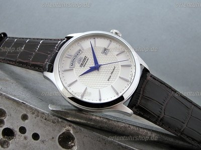 Orient Wide Calendar Automatik Herrenuhr FEV0V004SH