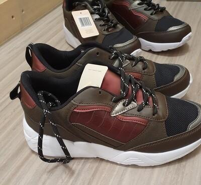 Fabs Sneakers