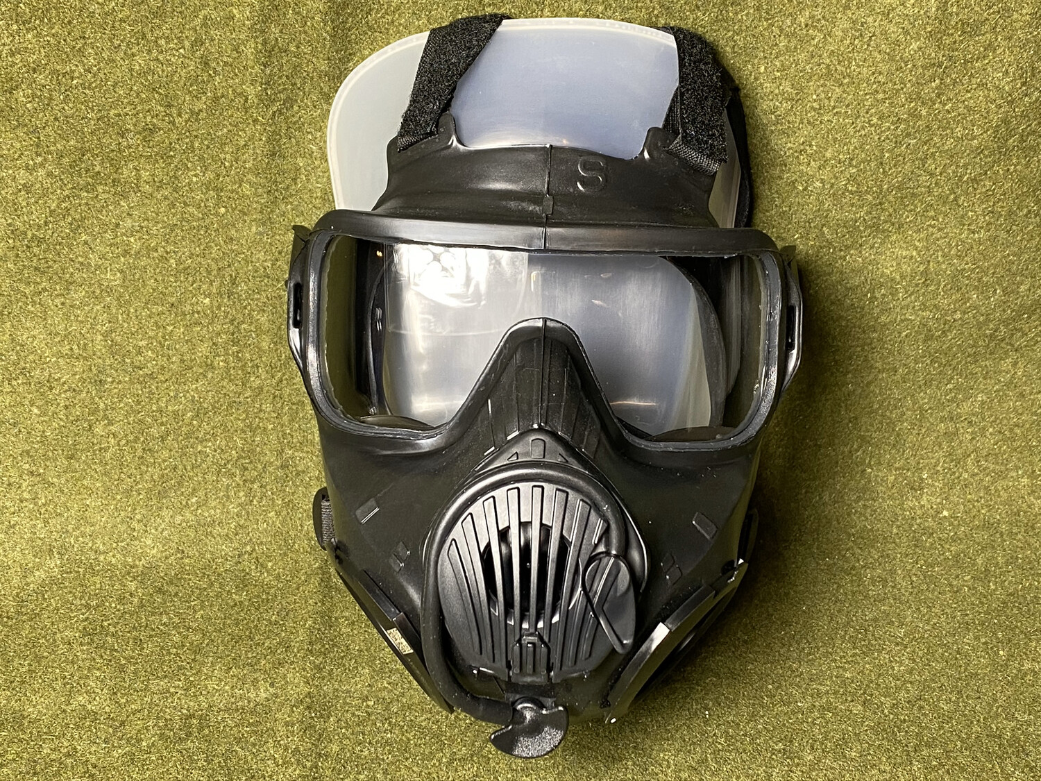 AVON M50 FULL FACE GAS MASK NEW IN PACKAGE