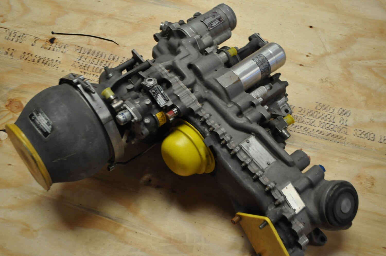 UH-60 T-700 ENGINE ACCESSORY SECTION MODULE