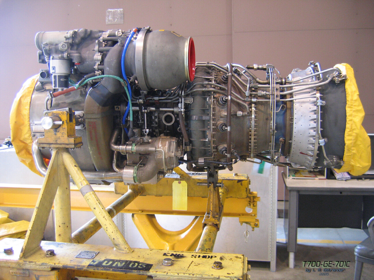 SIKORSKY UH-60 BLACKHAWK GENERAL ELECTRIC T700 TURBINE JET ENGINE *** NO INTERNATIONAL OR THIRD-PARTY SHIPPING ***