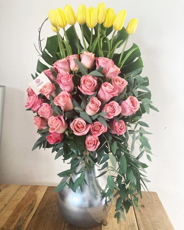 Freyja - Tulipanes y Rosas