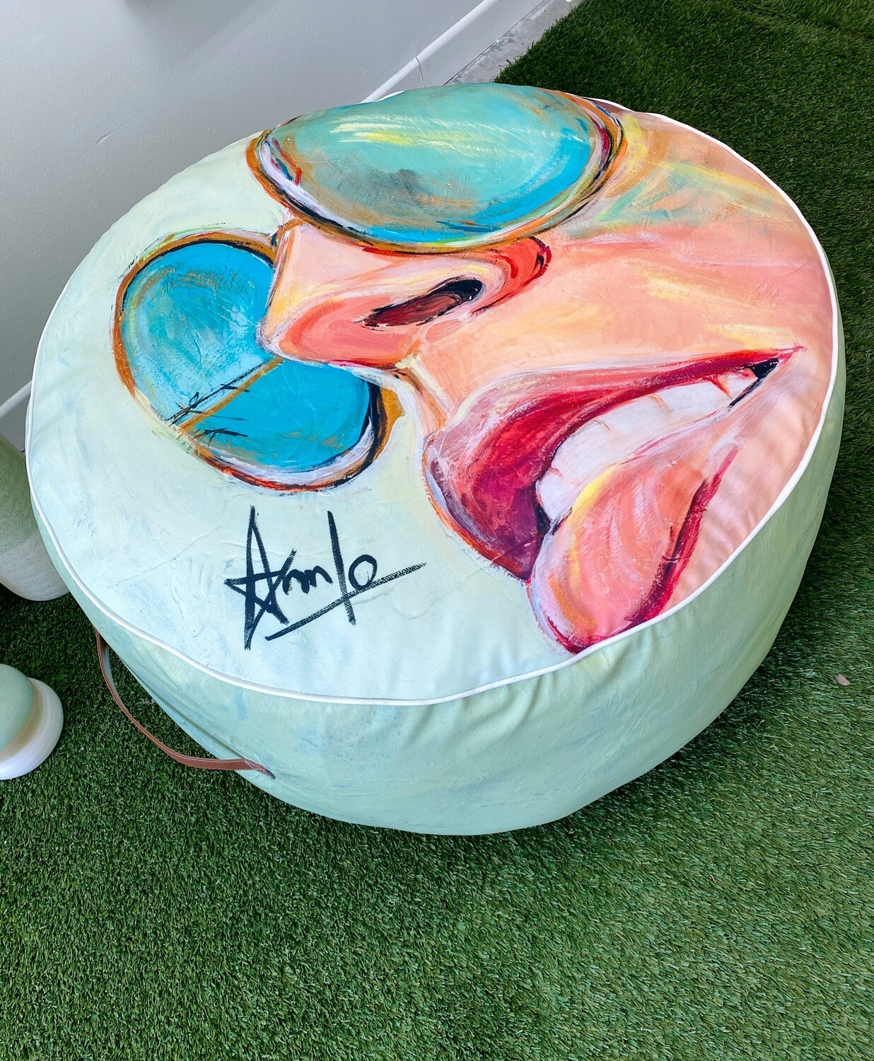 30'' x 30''x 20''  Décorative pouf (California, limited edition)