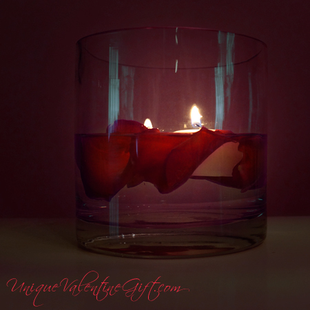 Valentine's Day - Floating Lovers Candle and Rose Petals