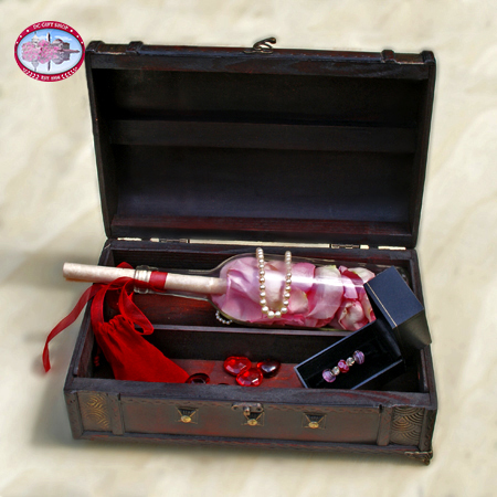 Mother�s Day Treasure Chest