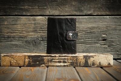 Чёрный кошелёк из сыромятной кожи и кожи питона