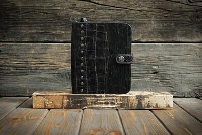 Чёрный блокнот из дерева и кожи