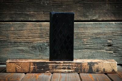 Кошелёк чёрного цвета из натуральной лаковой кожи