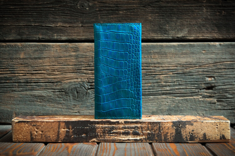 Кошелёк бирюзового цвета из натуральной лаковой кожи