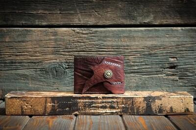 Кошелёк красно-коричневого цвета из сыромятной кожи