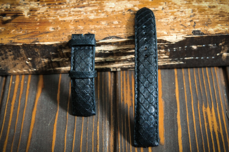Чёрный ремешок для часов из кожи питона