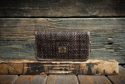 Коричневый кошелёк из плетенной кожи