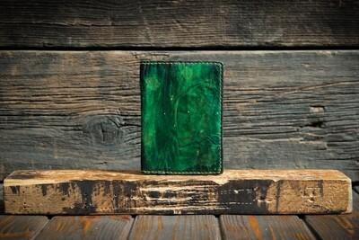 Обложка на паспорт малахитового цвета из сыромятной кожи