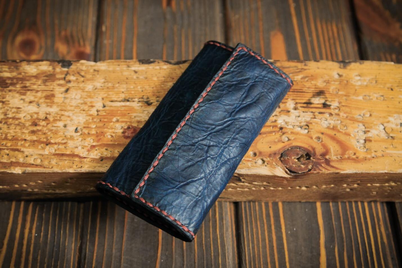 Тёмно-синяя ключница из состаренной кожи