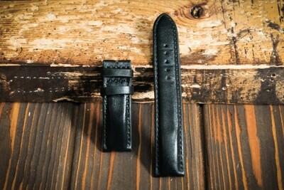 Чёрный кожаный ремешок для часов 22 мм