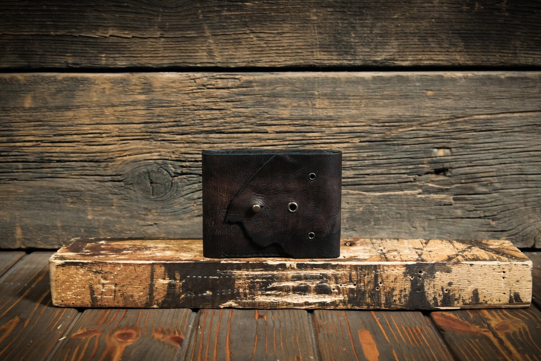 Кошелёк коричневого цвета из состаренной кожи