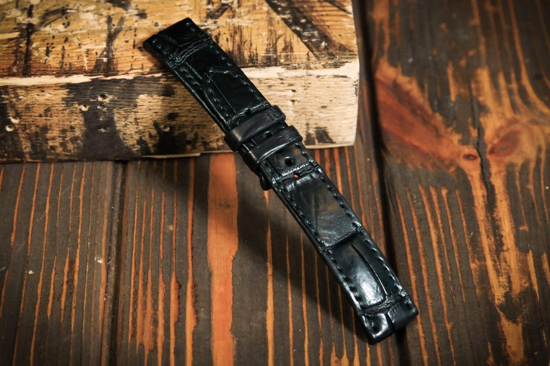 Размер M. Черный кожаный ремешок для часов из кожи крокодила
