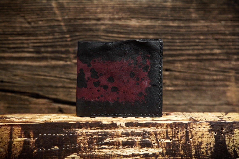 Кошелёк из сыромятной кожи чёрно-малиновый