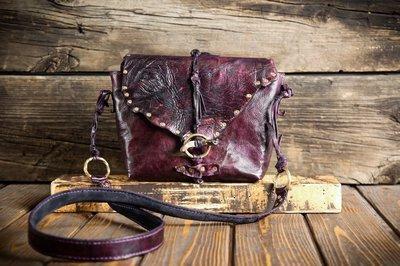 Женская сумочка из сыромятной кожи и замши