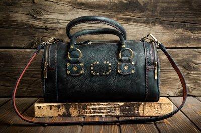 Женская сумочка из сыромятной кожи