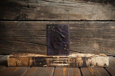 Фиолетовая обложка на паспорт из сыромятной кожи