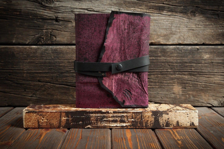 Ежедневник из пурпурной сыромятной кожи