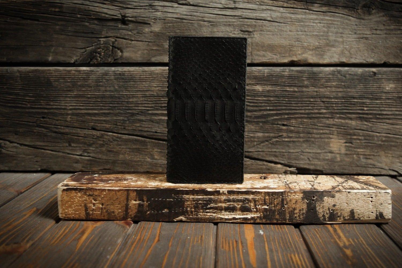 Чёрный кошелёк из кожи питона