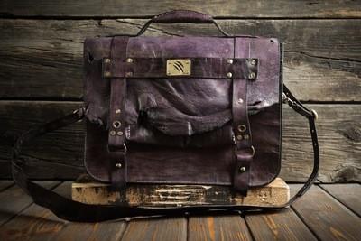 Фиолетовый портфель из сыромятной кожи