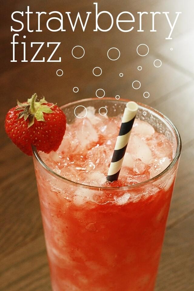 Strawberry Fizz (0% mocktail)