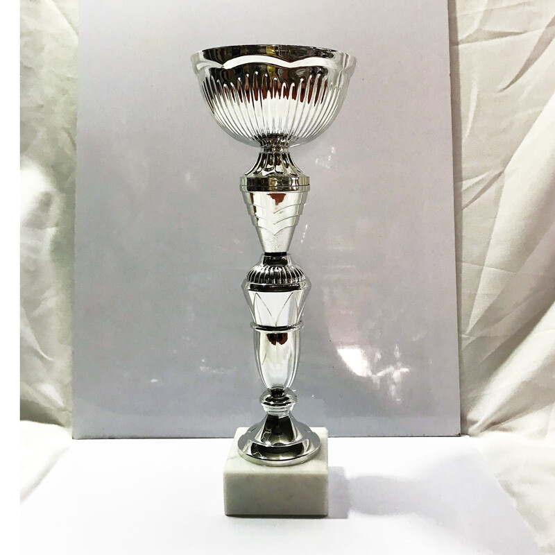 גביע מתכת גבוה כסף דגם 2019