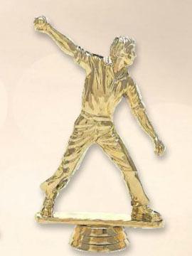 """פסלון קריקט  גבר צבע זהב על בסיס שיש  גובה 16 ס""""מ כולל הקדשה"""