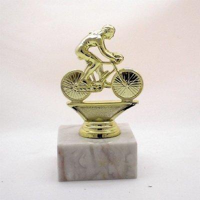"""פסלון אופני מרוץ נשים על בסיס שיש ג. 12 ס""""מ צבע זהב כולל הקדשה"""
