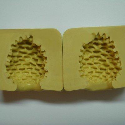 Simi Pine Cone