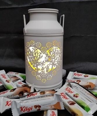 Milchkanne MINI Les Amoureux, weiss, gefüllt mit Kägifrettli
