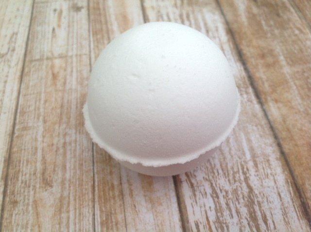 VEGAN Coconut Milk Bath Bomb