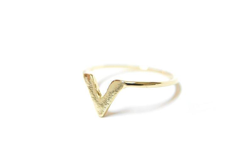 V Ring