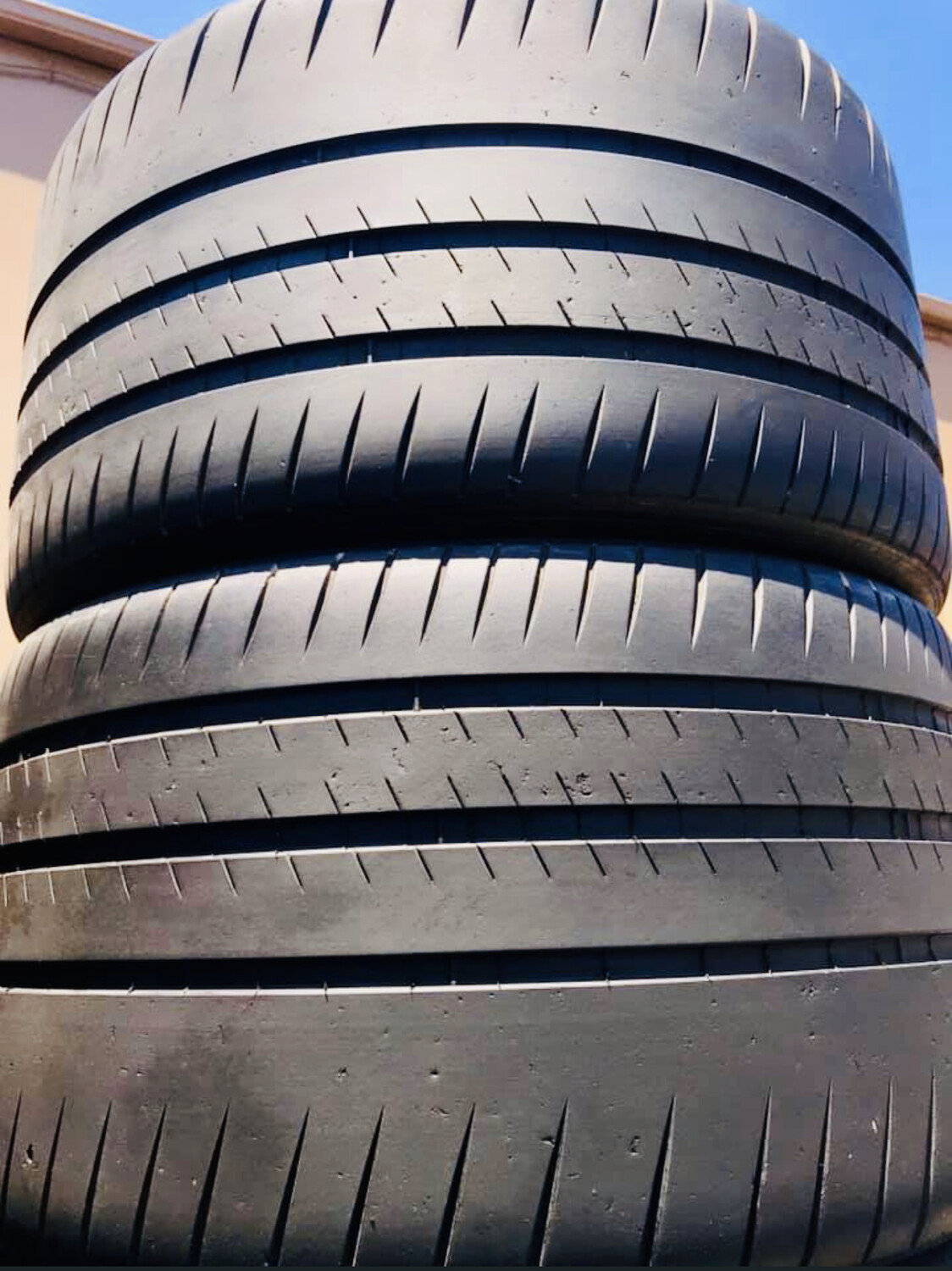 (2) USED TIRES Michelin 325/30ZR20 PILOT SPORT CUP 2 WITH 80%TREAD
