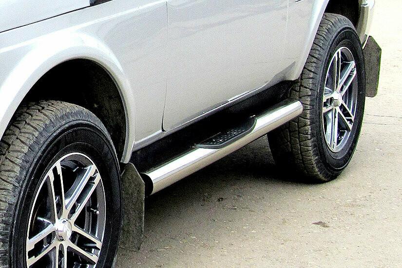 Защита порогов с проступями (нержавеющая сталь, Ø76 мм)