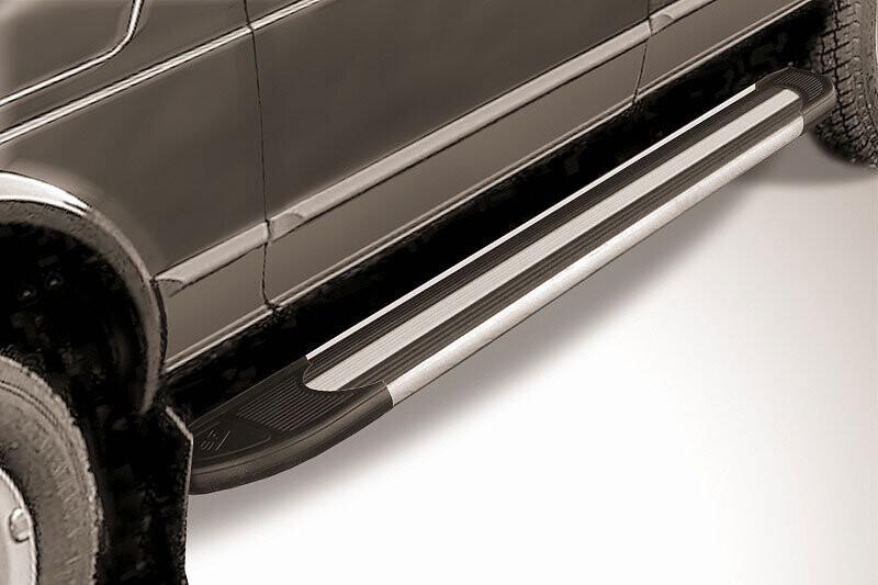 """Пороги алюминиевые """"Luxe Black"""" 1700 черные"""