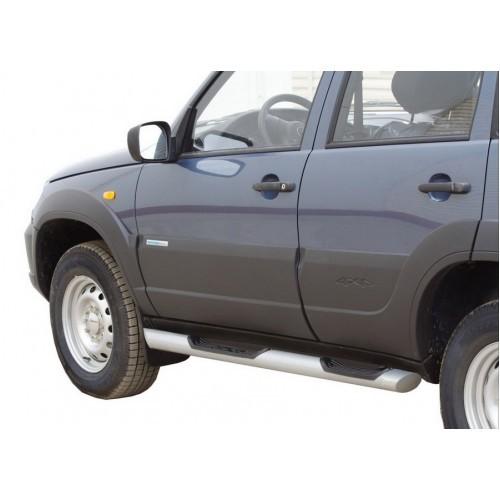 Пороги «Труба Люкс» с проступью,  Chevrolet Niva (03.2009 -)/Lada Niva (07.2020 -)